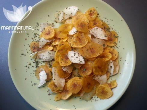 Chips de plátano macho y yuca con sal marina y orégano