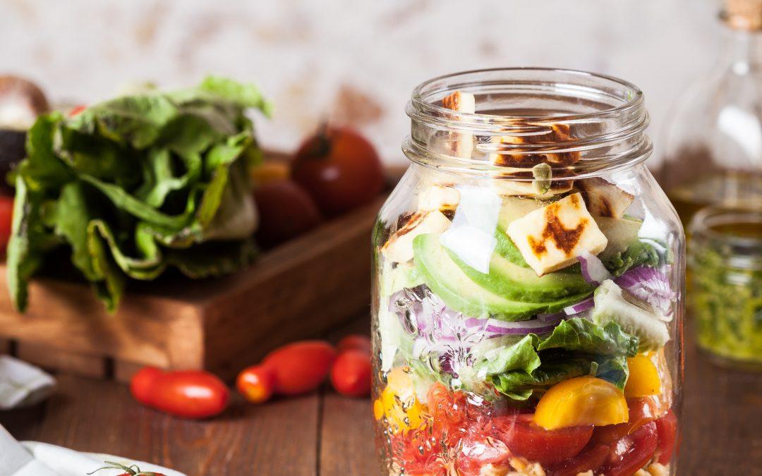 Ensalada en tarro, otra forma de llevarte tu comida saludable o de hacer batchcooking fácil y súper cómodo
